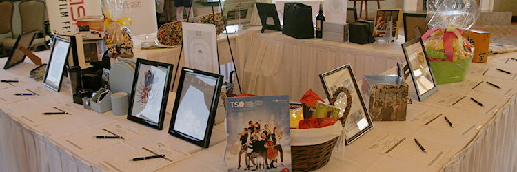 GolfWrapUp_silent-auction_750x250